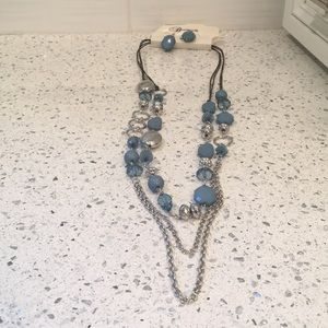 Turquoise & silver-toned necklace w earrings